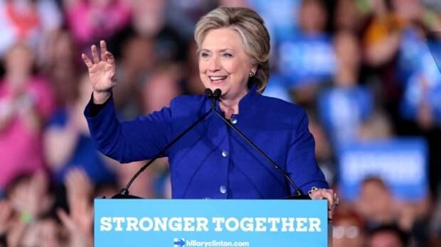 Хиллари Клинтон выпустит книгу о мировом заговоре State of Terror