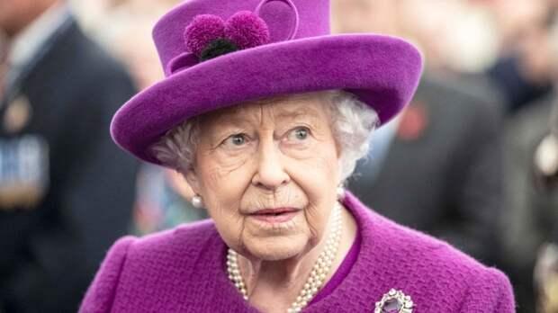 Оговорка журналиста о королеве Елизавете II рассмешила жителей Британии