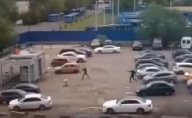 В Москве во дворе жилого дома произошла перестрелка