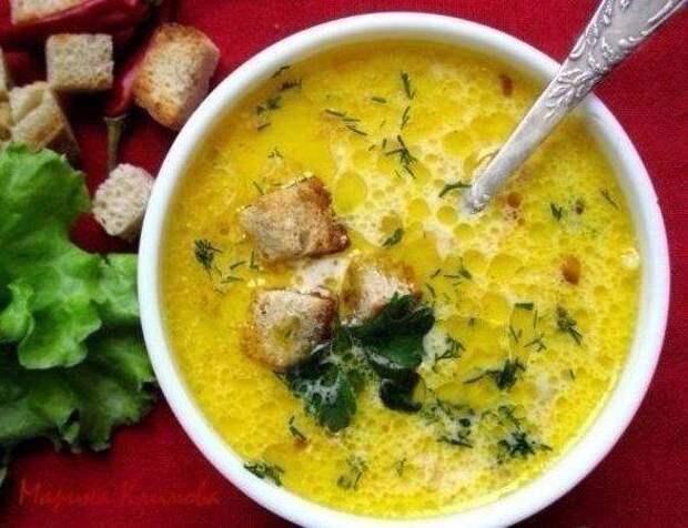 Сливочно-сырный суп с ветчиной и сухариками
