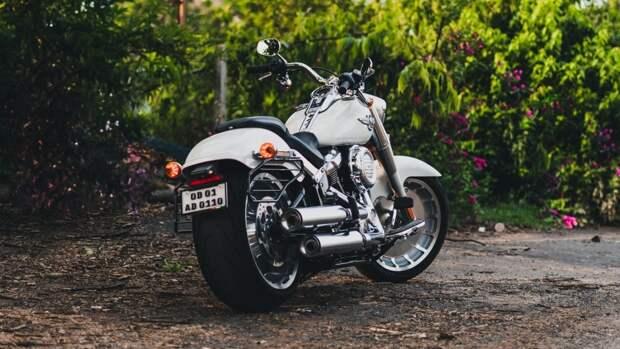Городские мотоциклы Husqvarna могут получить необычную двухцилиндровую версию