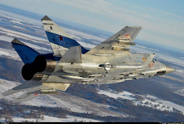 Переброска Россией МиГ-31 на Чукотку не даст спокойно спать половине американцев