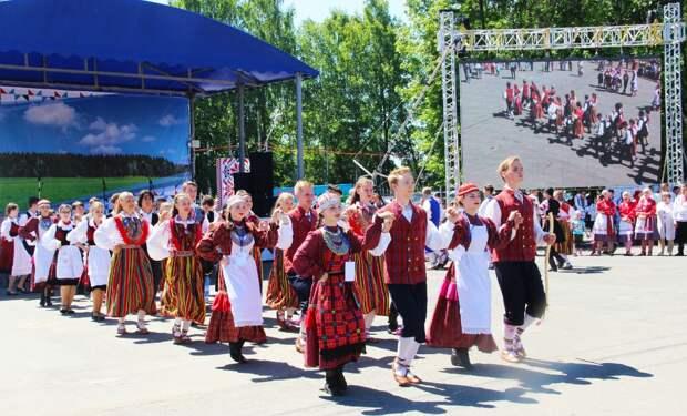 В Ижевске на центральной площади исполнят карельский рэп и йойки саамов