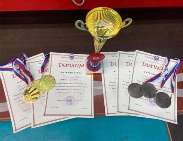 Юные каратисты из Лианозова привезли из Ярославля россыпь медалей
