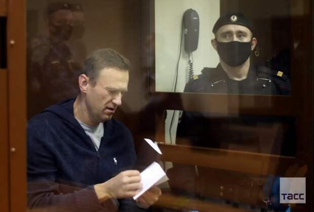 Еще одним поклонником Навального стало больше!