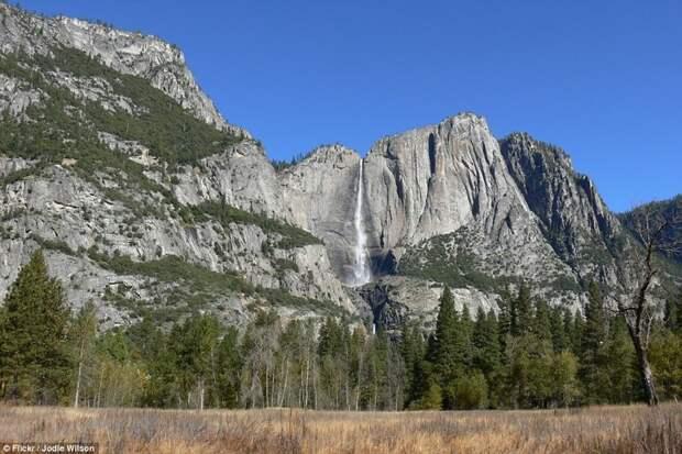 Два предыдущих альпиниста, пытавшихся покорить Эль-Капитан без страховки, погибли Эль-Капитан, гора, скалолаз