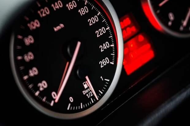 Снижение скорости на СВХ создаст километровые пробки — итоги опроса читателей газеты