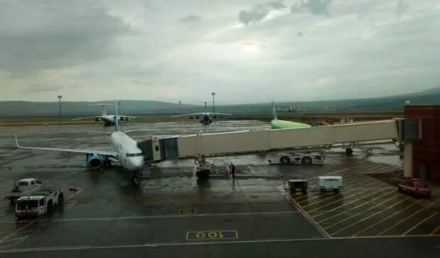 Самолет изМосквы вКазань задержали на2 часа. Аэропорты переполнены