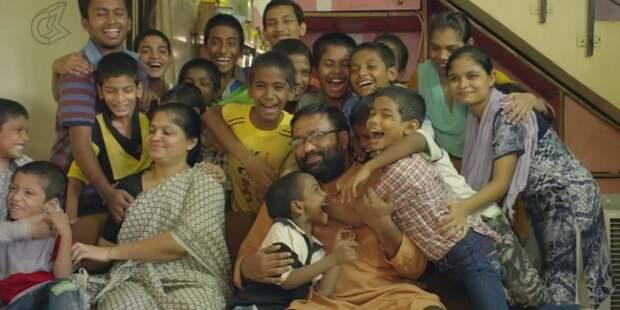 Мужчина усыновил более 20 вич-положительных детей, от которых отказались родители