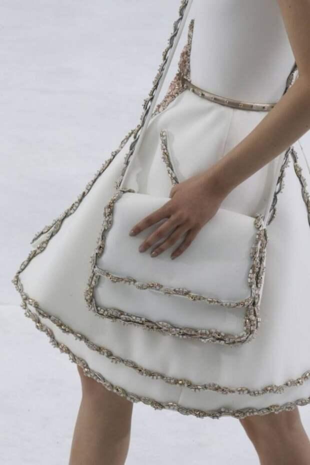 Необычные детали одежды, которые украсят образ
