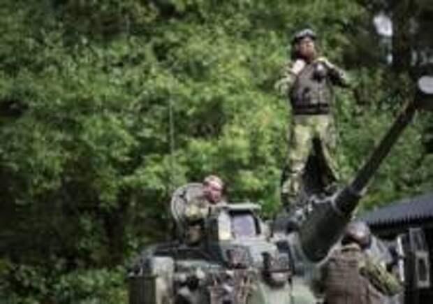 На военной базе Швеции задержаны два иностранца