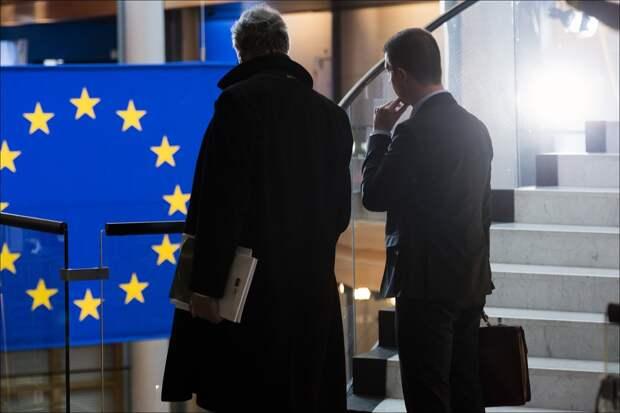 Евросоюз может отказаться от нефти и газа из России пока у власти находится Путин