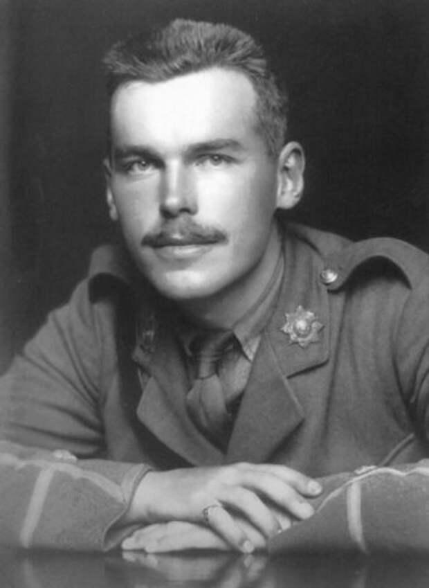 Старший сын сэра Артура Конан Дойла Кингсли, 1916 год.