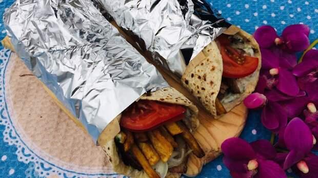 Уличная еда - Греческая Лепешка Гирос!