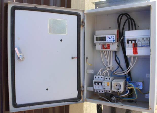 «Россети Кубань» установила пять тысяч антимагнитных пломб в лабинском энергорайоне