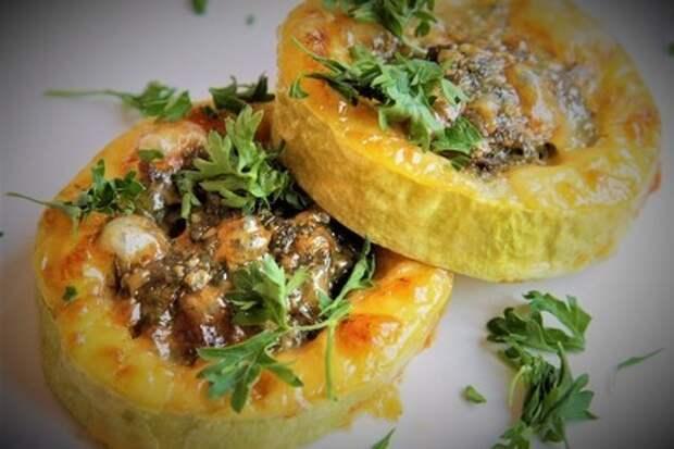 Фото к рецепту: Закуска из кабачков с фаршем