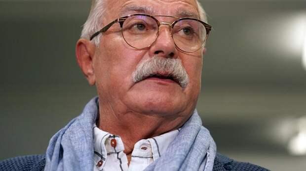 Жора Крыжовников обвинил Никиту Михалкова в разжигании злобы и ненависти