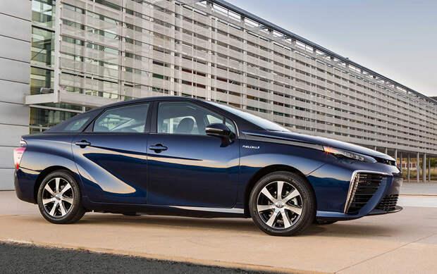 Toyota Mirai – один из первых в мире серийных автомобилей на водородных топливных элементах.