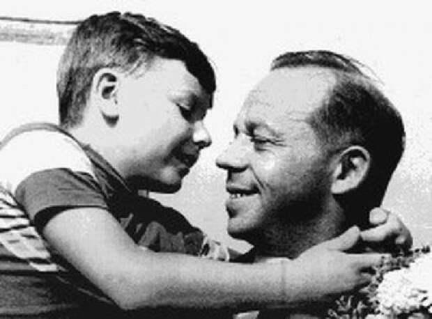 Когда политики были детьми (48 фото)