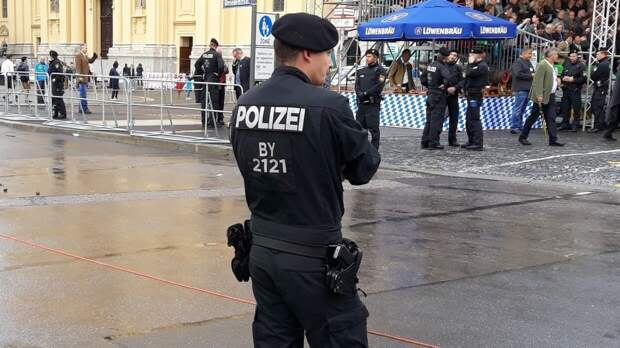 Полиция Берлина задержала более 150 протестующих