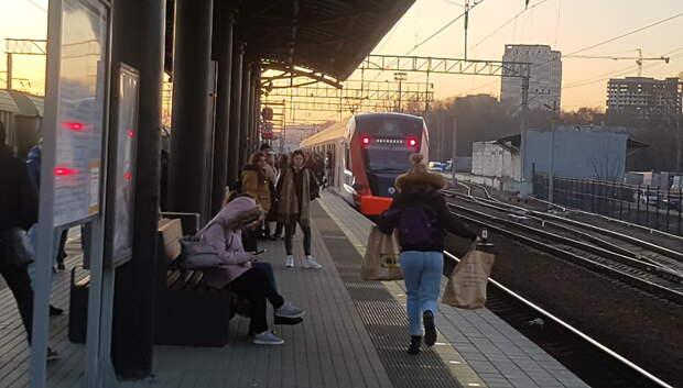 На станциях МЦД установят указатели мест остановки поездов «Иволга»