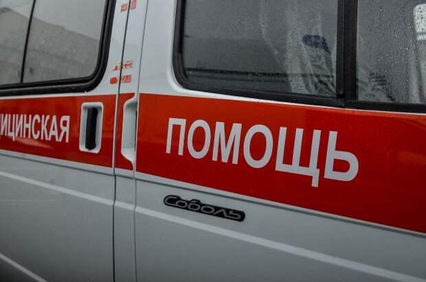 В Туве при опрокидывании грузового авто пострадал 21 человек