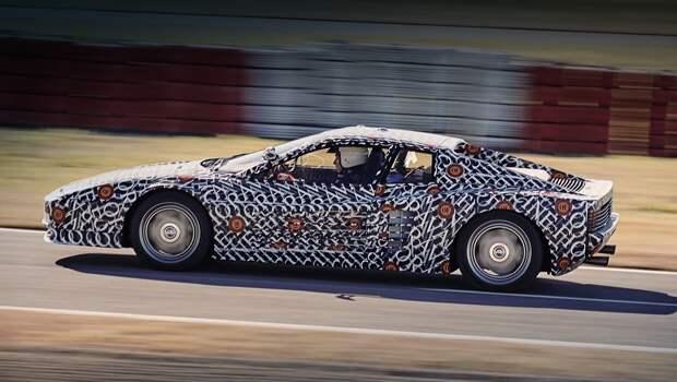 Ferrari testarossa. Главная цель фирмы — сохранить оригинальный внешний вид автомобиля. При этом внутри мастера обещают новый уровень комфорта. Интерьер отделан новой кожей, пластиковые детали заменены на металлические, а ещё у владельца купе окажется в распоряжении современная мультимедийная система.