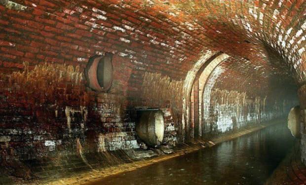 Геолог искал под Москвой нефть, а нашел воду. Столица может стоять на подземном море