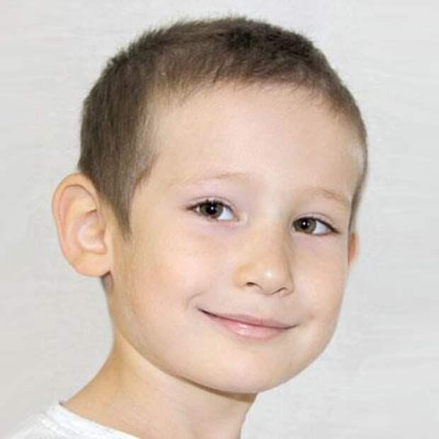 Ильсаф Бикмаев, 5 лет, врожденная деформация стоп, требуется хирургическое лечение, 298620₽