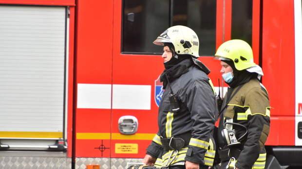 В Уваровском переулке загорелся балкон