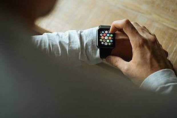 Мини-компьютер на запястье: что умеют современные умные часы