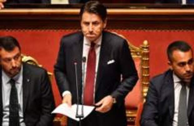 Премьер Италии ушел в отставку