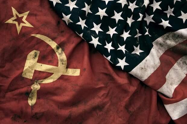 Поздний СССР и поздние США: 10 сходств и совпадений