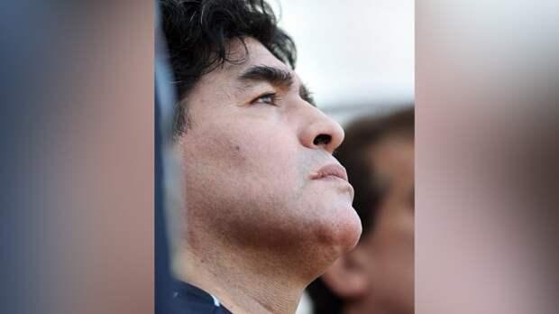 Семь аргентинских медработников обвиняются в смерти Марадоны