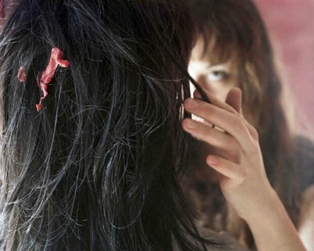 Извлечь жвачку из волос.