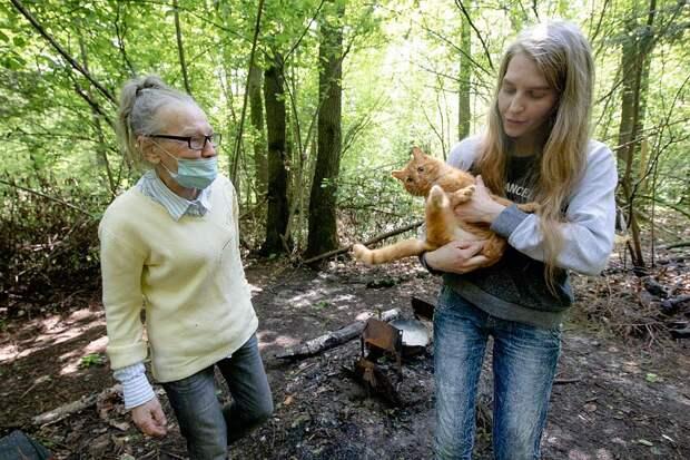 Диола с мамой Натальей живут в лесу уже год
