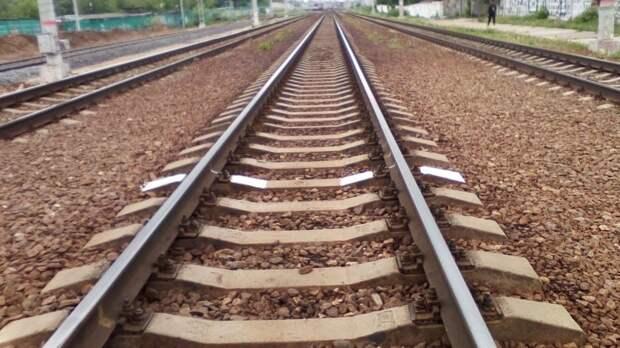 Движение поездов в Волгоградской области застопорилось из-за аварии на путях