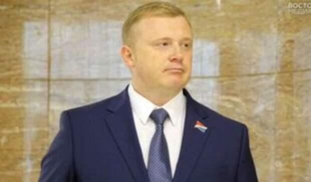 «Арестовали меня, демоны»: Андрей Ищенко сообщил, что его везут втемницу