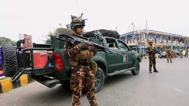 Число жертв взрывов около школы в Кабуле достигло 30