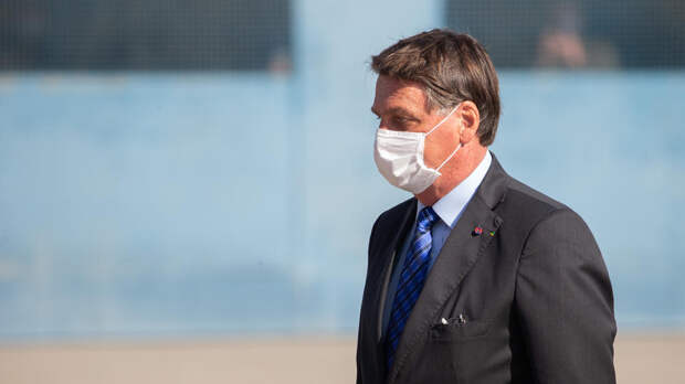 Президент Бразилии допустил, что повторно перенес COVID-19