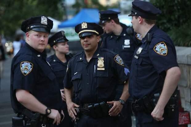 Новоиспеченная глава ФБР Мира Тэрада пообещала привлечь внимание к полицейскому произволу в США