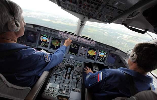 Летчикам в России заметно урезали зарплату