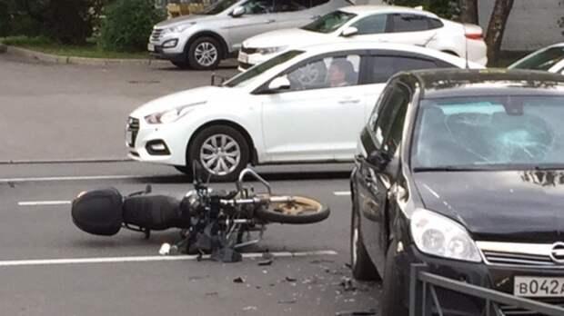 Молодой мотоциклист и его пассажирка погибли в ДТП в Нижнем Новгороде