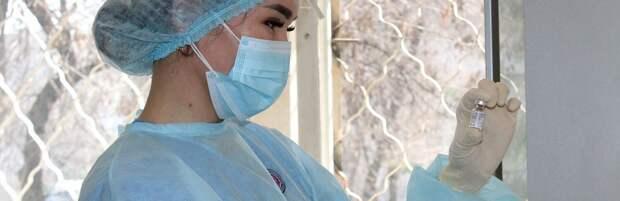 После полной вакцинации в Казахстане коронавирусом заразились 44 человека