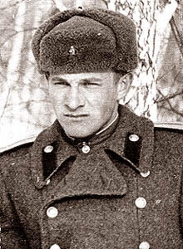 Адольф Рунов (в молодости)