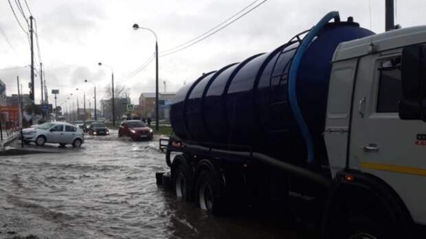 Краснодарцы возмутились состоянием дорог после ночного залпового ливня
