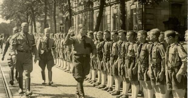 Как Гитлер смог превратить образованную молодёжь в нацистов