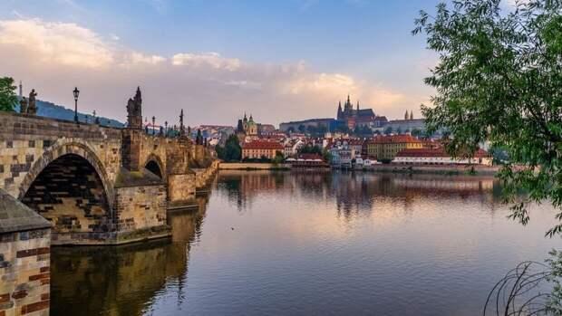 Прага просит страны Евросоюза выслать «по одному дипломату РФ»