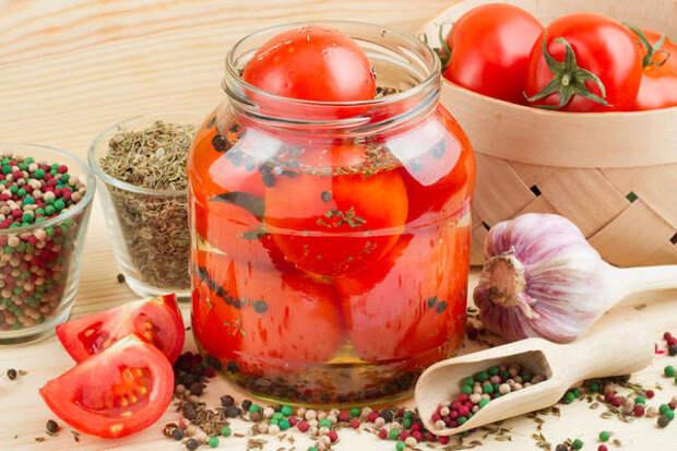 10 отличных рецептов заготовок из помидоров на зиму