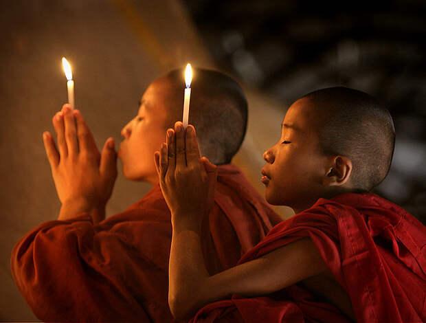 Монахи свечи